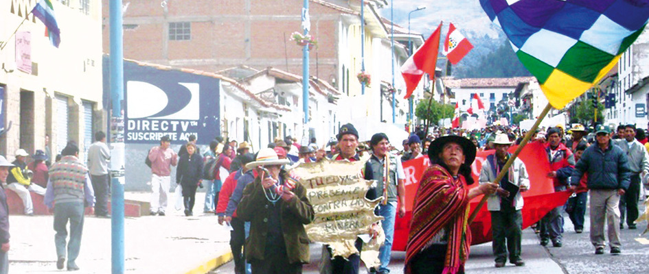Indigenous protestors rally against APEC and high food prices in the ancient Peruvian capital of Cuzco. Photo by Miguel Araoz Cartagena