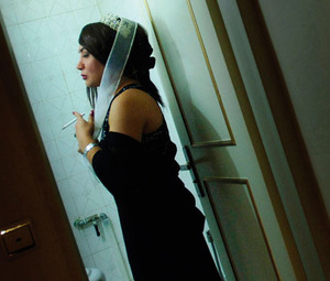 Living in fear: a gay transvestite in Iran.JeROeN OeRLeMANS / PANOS