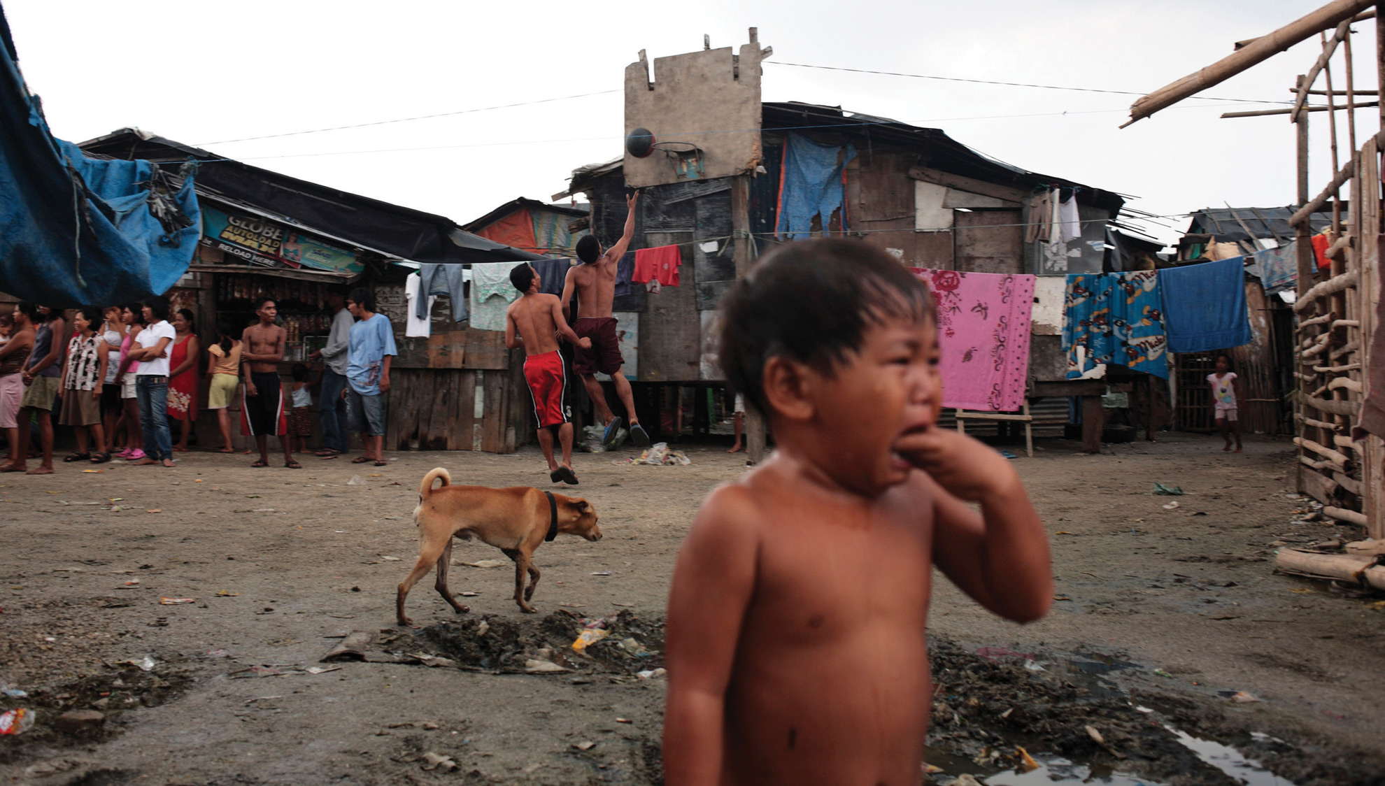 Life in Baseco, Manila, an area which provides easy pickings for kidney hunters.
