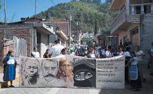 'Not one step backwards!' declares this banner. 'We are determined to keep writing the story of [our town] Cherán K'eri.'Photo: Isabel Sanginés/Somos El Medio under a CC Licence