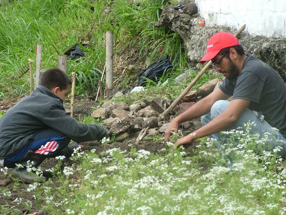 Community members working in the La Columna community garden, Merida, Venezuela.