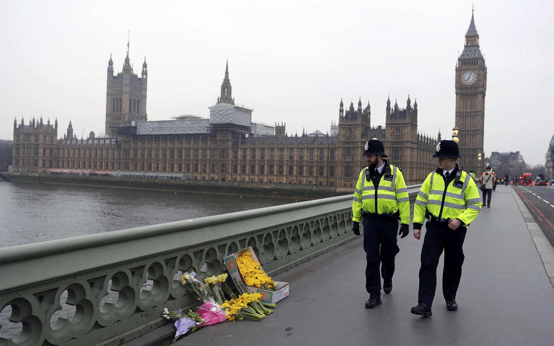 Flowers are placed at the scene of an attack on Westminster Bridge, in London, Britain, on 24 March 2017.