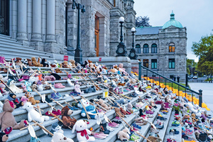 Lost childhood: a memorial outside British Columbia's parliament remembers over 200 children whose remains where found in the grounds of a residential school in Kamloops.Photo: Wirestock/Alamy